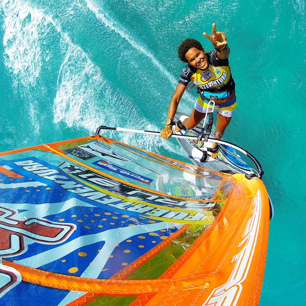 Sarah-Quita Offringa lider mundial de windsurf