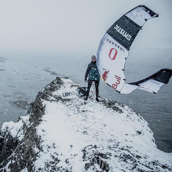 """Rider de kitesurf en busca de tormentas """"Ruben Lenten"""""""