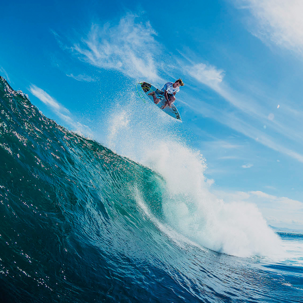 Julian Wilson. Vídeo surfeando a otro nivel!