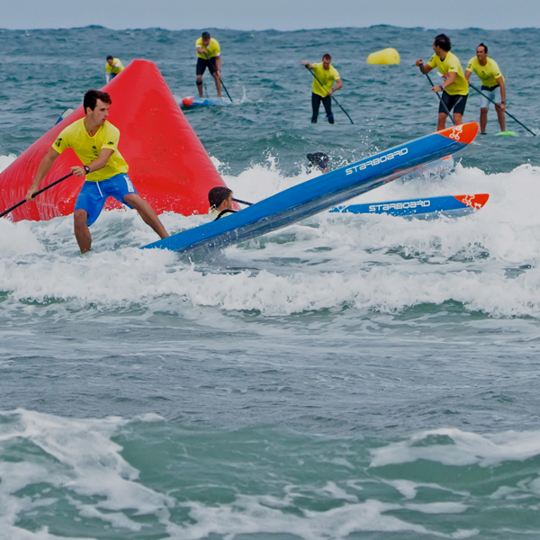"Espectáculo total en el ""V Wolder SUP Race Suances"""