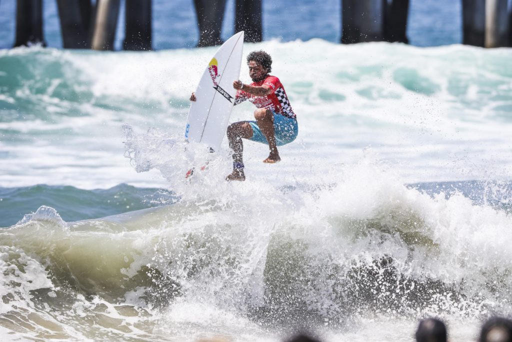 Carlos-Munoz-Vans-US-Open-of-Surfing-foto-WSL