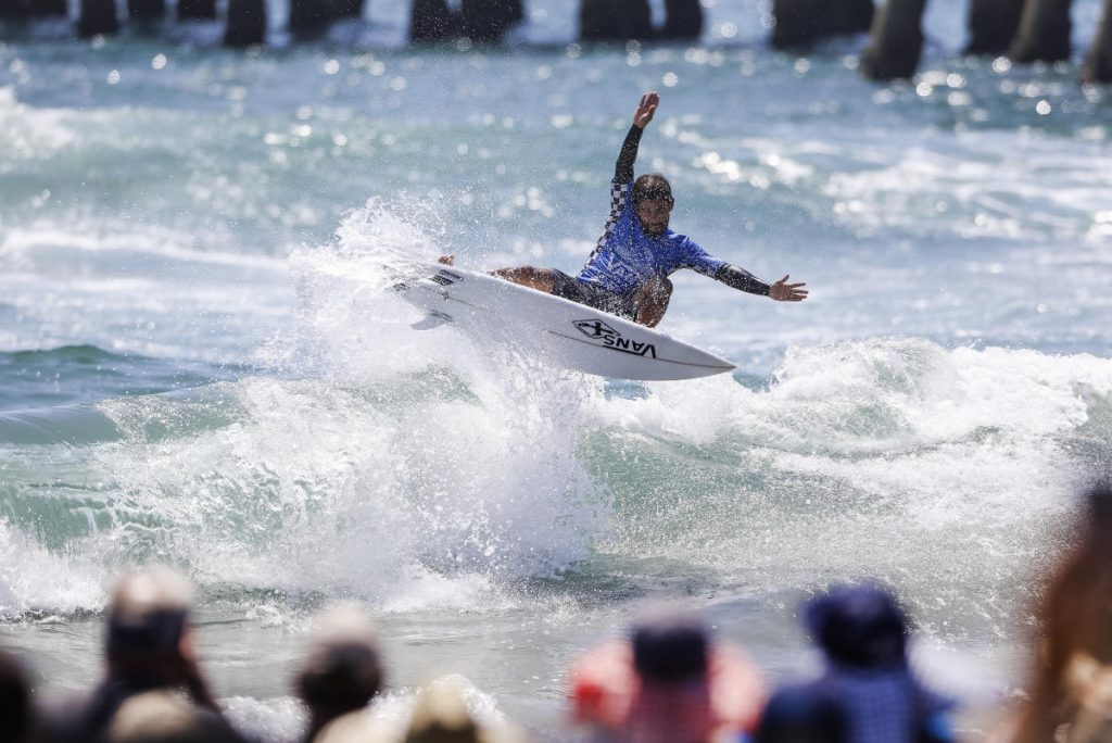 Tomas-Hermes-Vans-US-Open-of-Surfing-
