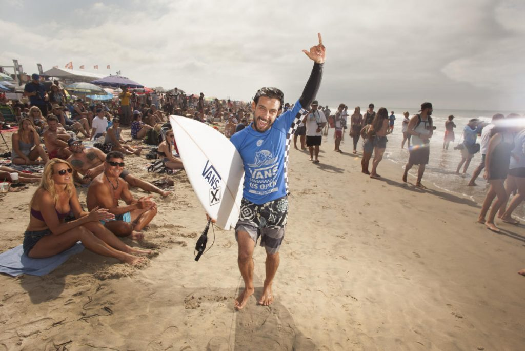 Tomas-Hermes-Vans-US-Open-of-Surfing